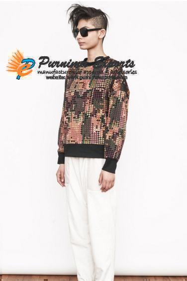 PIXELLATED EMBROIDERY SWEATSHIRT